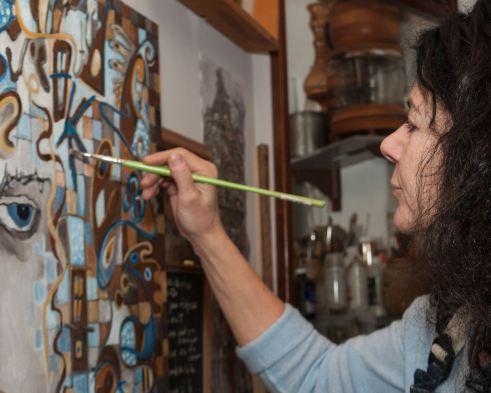 Hélène Larouche en atelier